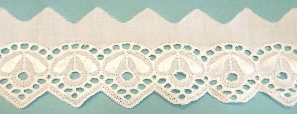 Baumwollspitze mit zarter Bogenkante, bestickt weiß 50 mm