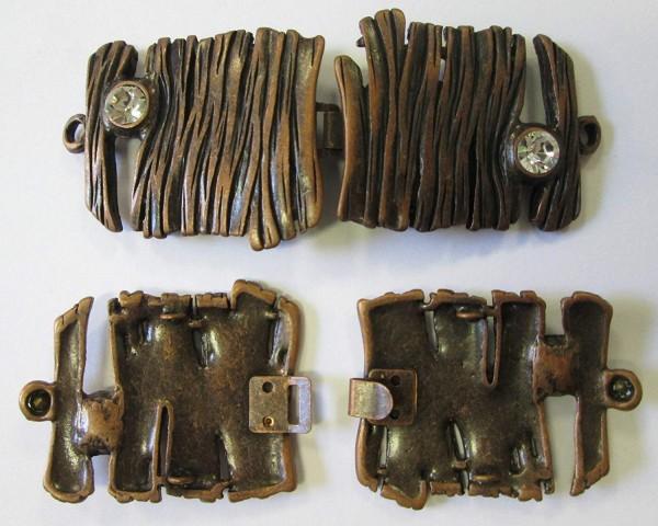 Bekleidungsverschluss alt kupfer sehr aufwendig verziehrt mit Strasssteinen 85 x 35 mm
