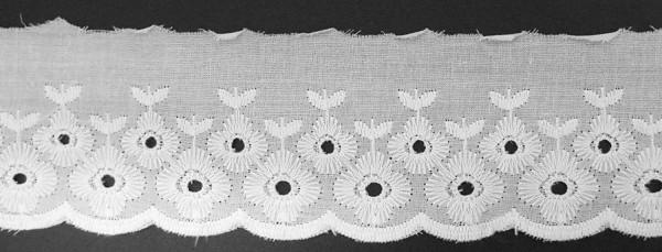 Baumwollspitze weiß, mit weiß gestickter Bogenkante 65 mm