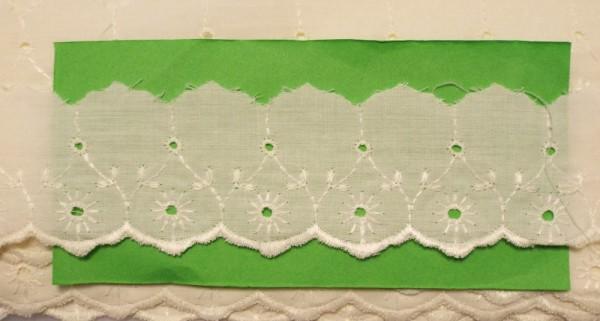 Baumwollspitze mit zarter Bogenkante, bestickt vanille 45 mm