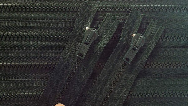 RV grün dunkel, 061 cm Kunststoff nicht teilbar Krampe