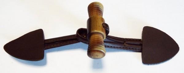 Knebelverschluß, mit raffinertem Knopf (dunkel braun)